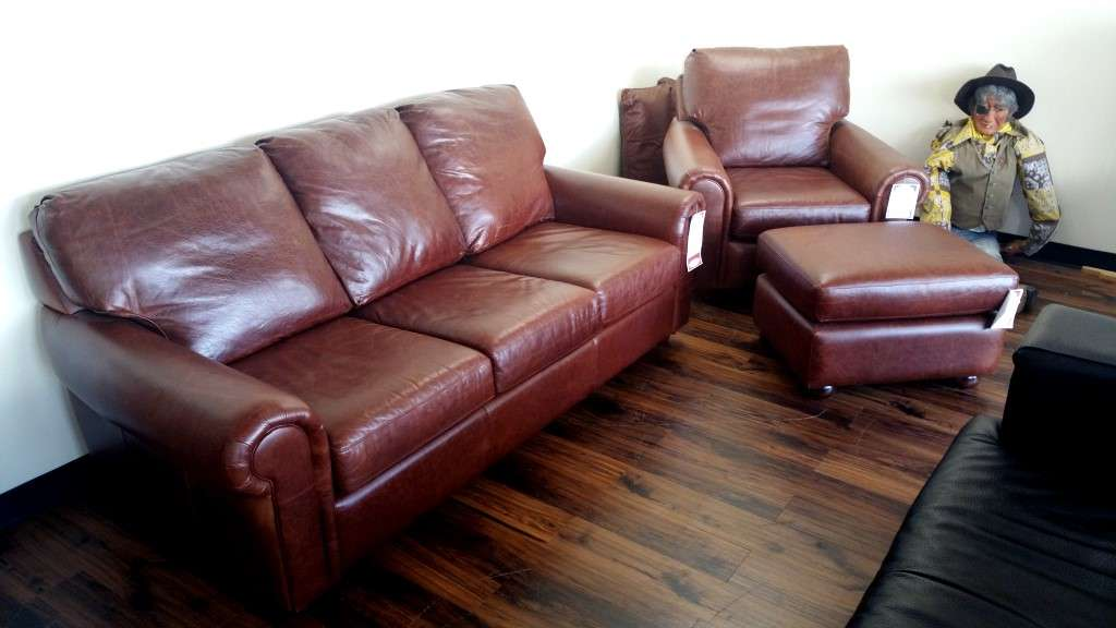 Elegant Outlet Barrington Sofa, Chair, Ottoman. This Special Barrington Sofa ...