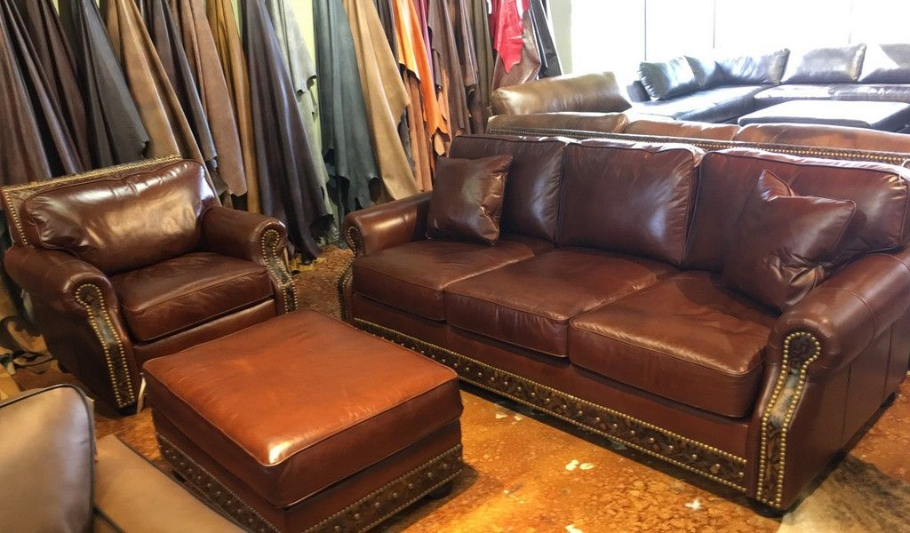 Dallas Hudson Sofa Chair And Ottoman Calderon Mahogany