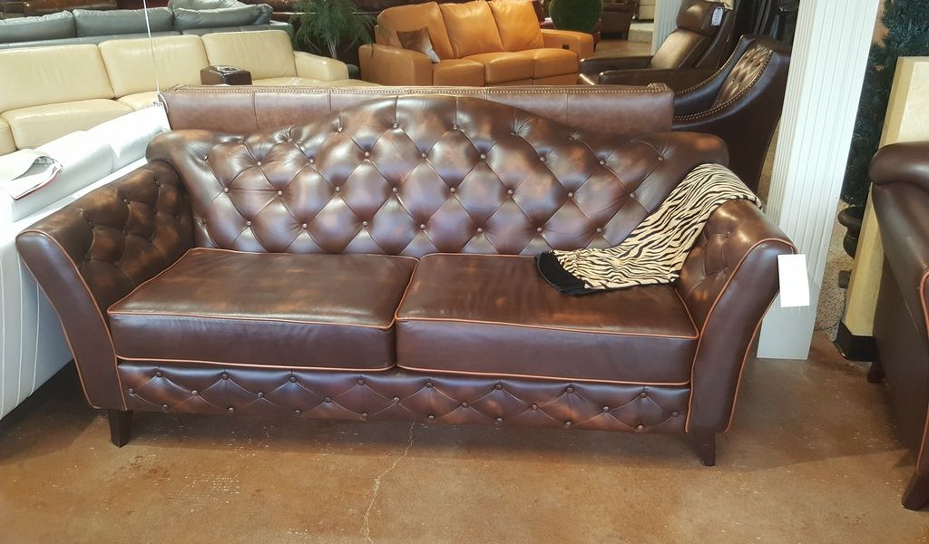 Dallas Maestro Sofa Hand Antique