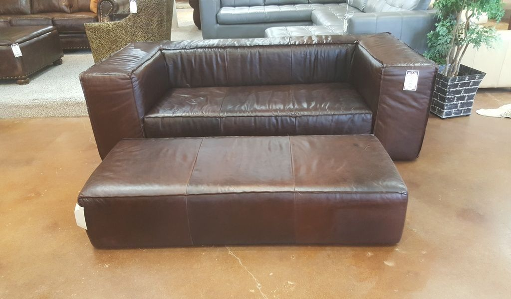 Dallas Martago Sofa And Bench Calderon Mahogany