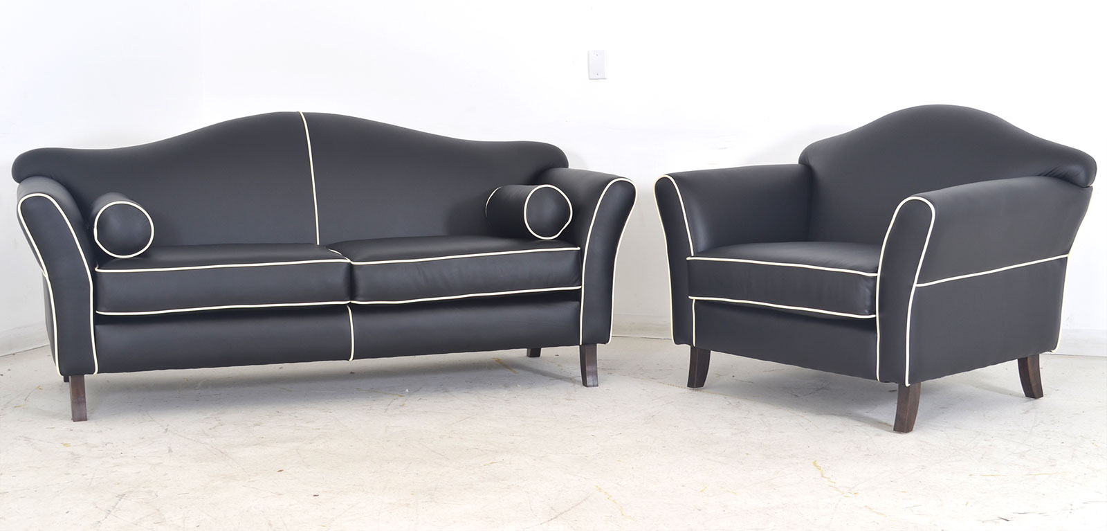Awe Inspiring Destra The Leather Sofa Company Gmtry Best Dining Table And Chair Ideas Images Gmtryco